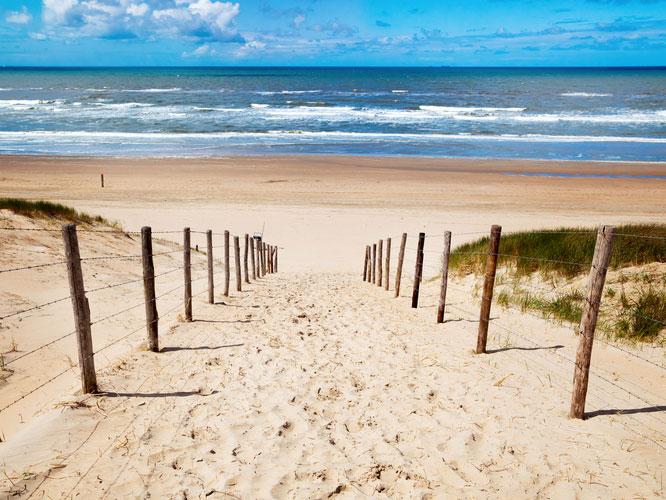 Sportieve afsluiting op het strand